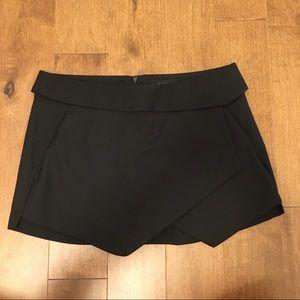 Aritzia Talula black shorts/skort